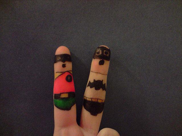 Funny Finger Art (20 Pics)