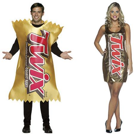 Comparing Male and Female Halloween Costumes (10) | Pleated Jeans