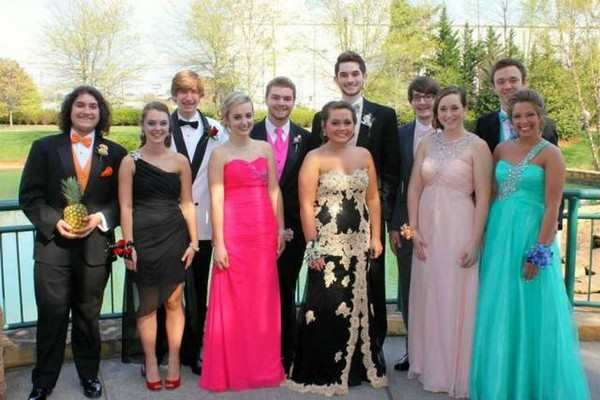 28 people who didn u0026 39 t have a prom date