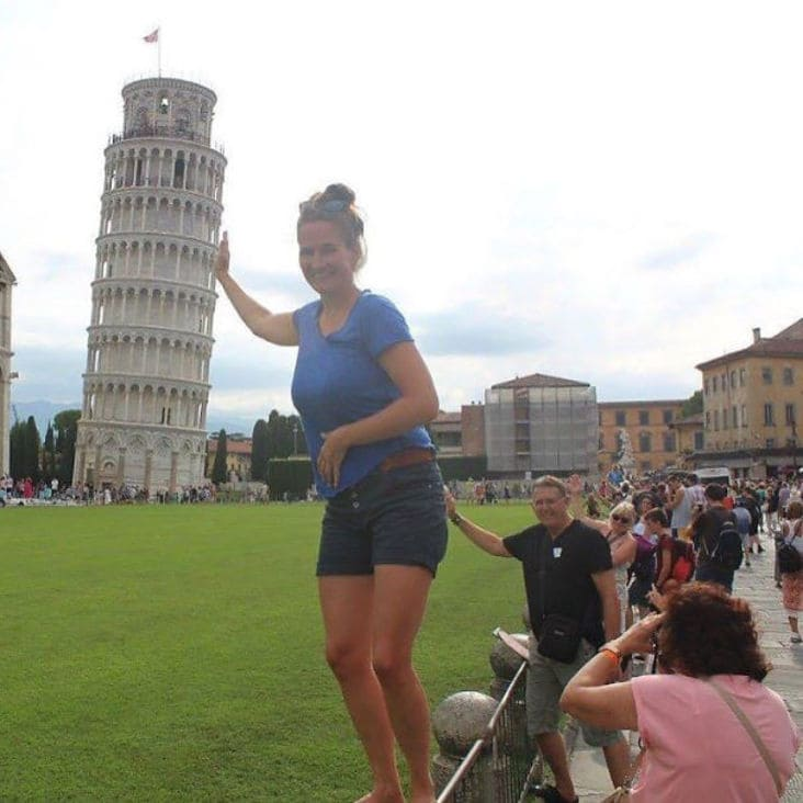 looks like man is touching woman's butt photobomb