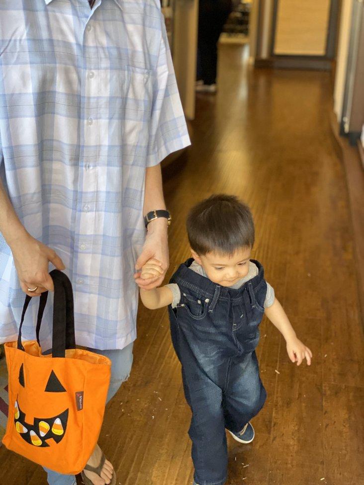 kid dressed in pants halloween costume