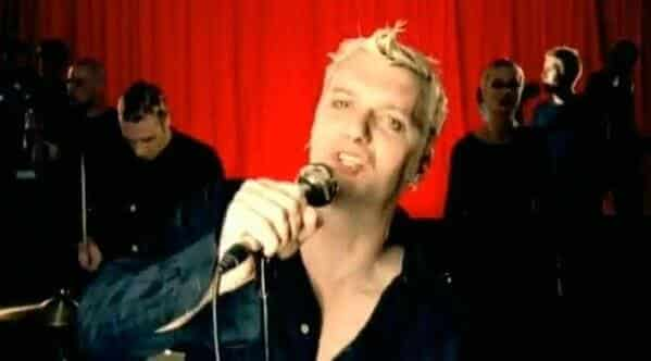 tubthumping video yellow hair, Worst songs to listen to during sex, worst sex songs playlist, Spotify funny playlist, worst sex songs, funny songs to make love to, songs that are not sexy, pleated jeans Spotify